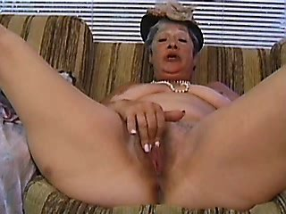 Oiled horny mature takes cockride